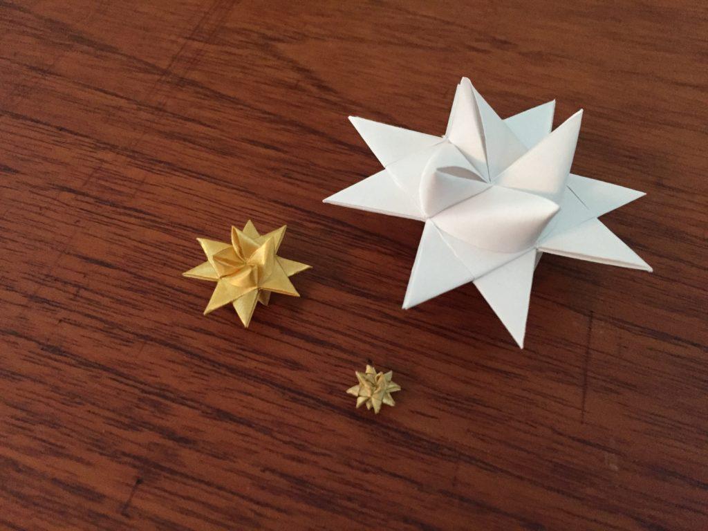 Flettede stjerner i alle størrelser - almindelig, mini og mikro