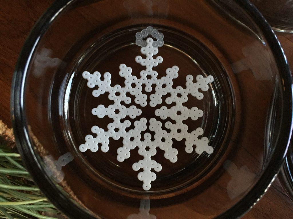 Snefnug lavet i miniperler fra Hama