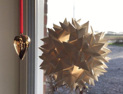 DIY: Sådan fletter du en stjerne med 72 strimler…!
